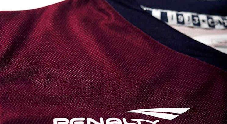 Esta es la nueva camiseta de Talleres. (Foto: Facebook)