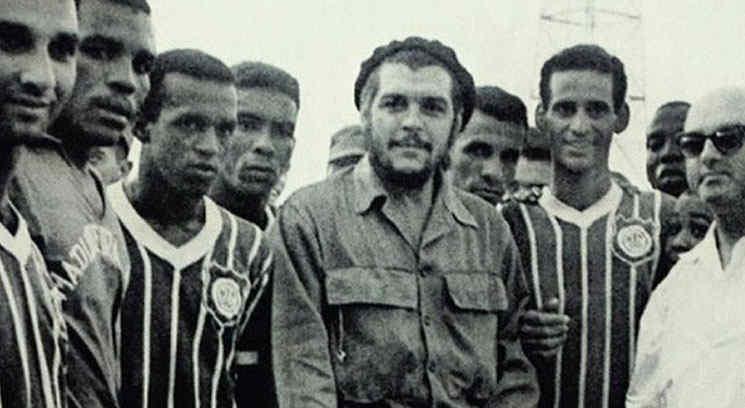 Furor por camiseta con la imagen del Che
