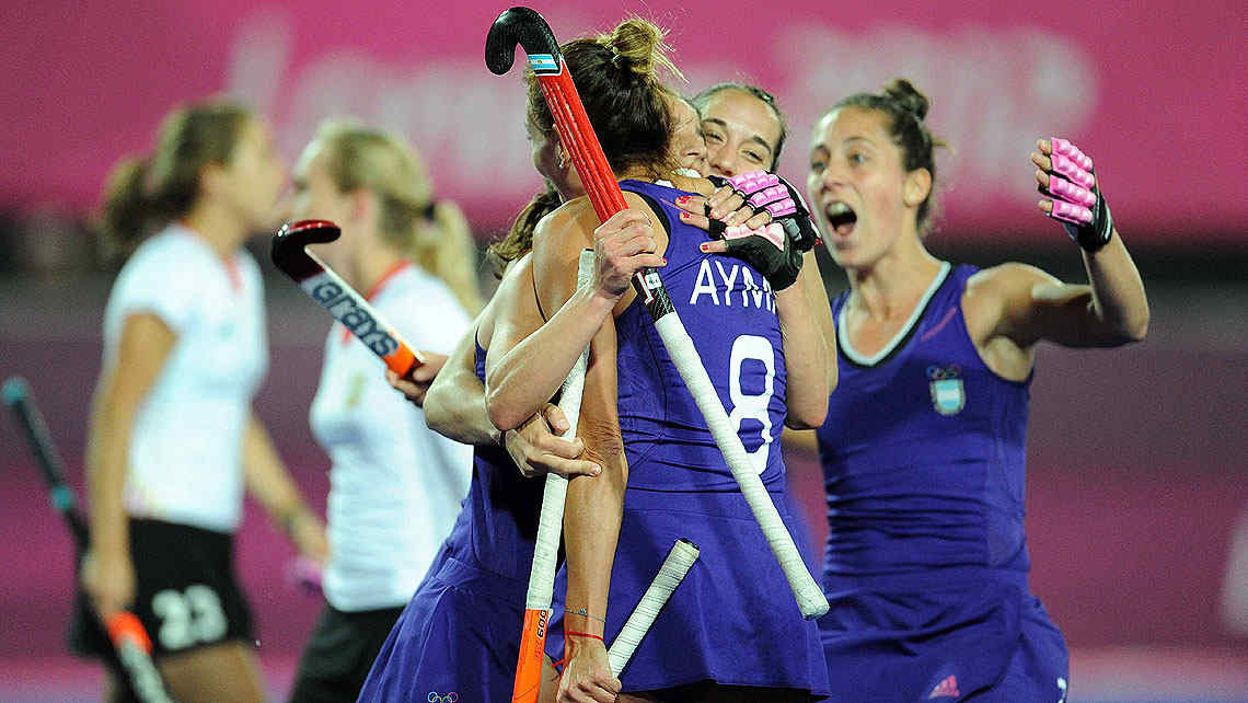 Las Leonas superaron a Alemania y se acercaron a las semifinales. (Foto: Tlam)