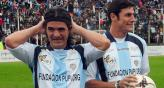 &quot;El Burrito&quot; junto a Zanetti, en el partido de la Fundacin Pupi (Foto: Fotobaires).