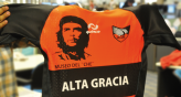 Mundo D sorte dos camisetas con la estampa del &quot;Che&quot; Guevara 