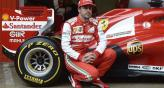 Alonso con la Ferrari, en Barcelona (Foto: AP).