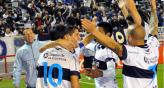 La alegra de los jugadores de Gimnasia por el triunfo (Foto: Tlam).