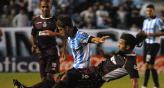 No se sacaron ventaja Racing y Lans (Foto: DYN).