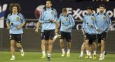 Los jugadores espaoles se preparan para un amistoso de jerarqua (Foto: AP).