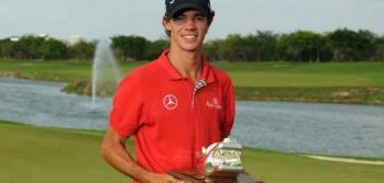 El cordobs con su trofeo, en Mxico. (Foto: PGA Tour)