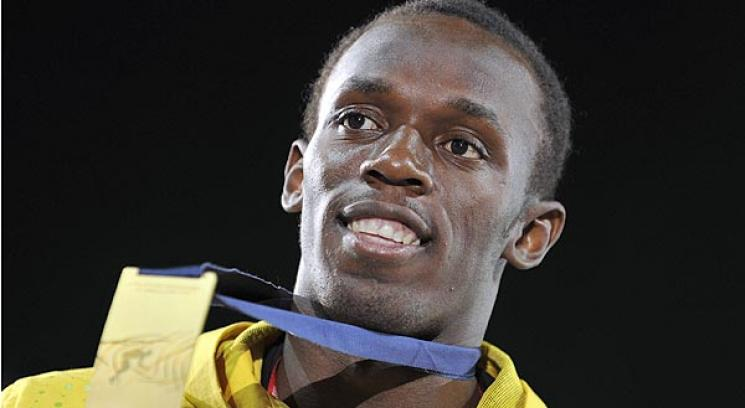 Usain Bolt no se cansa de colgarse medallas. Ahora, por la posta.