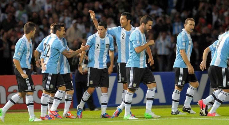 Con goles de Di María e Higuaín, Argentina se fue arriba en el primer tiempo. (Foto: Sergio Cejas)
