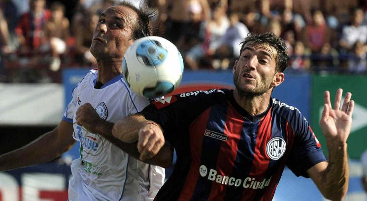La mistica copera de San Lorenzo no pudo con el antifutbol