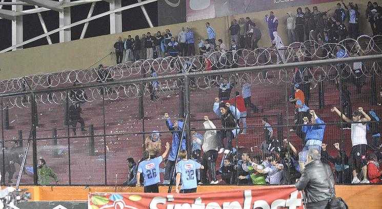  Los hinchas de Belgrano la pasaron mal en Santa Fe. (Foto: Pedro Castillo, enviado especial a Santa Fe)