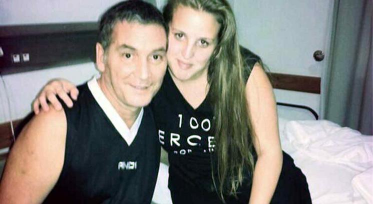 Mario y su hija, Flor, en una foto de Twitter.