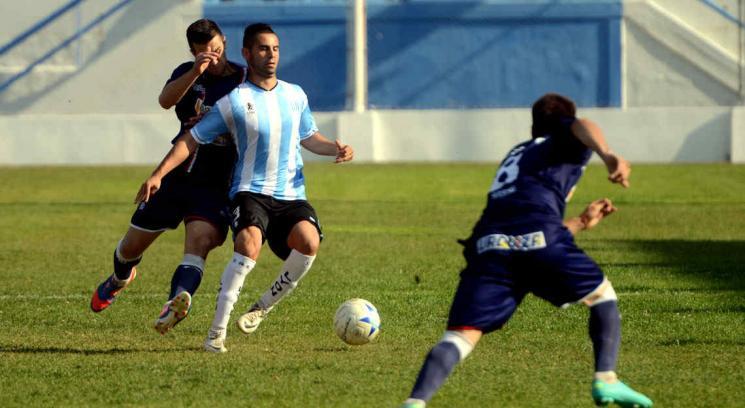 Gustavo Gotti anotó el empate para Racing. (Foto: Facundo Luque)