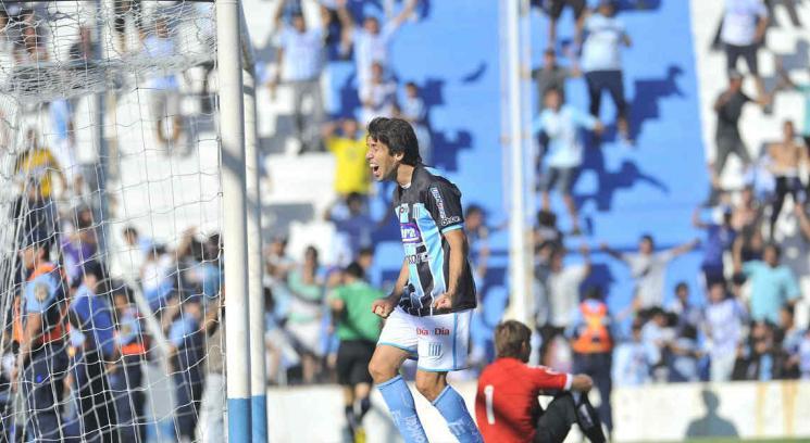 Desahogo. Rami marcó el gol que le da posibilidad a Racing de jugar ante Alumni (Foto: LVI/Sergio Cejas).