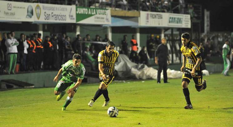 Sportivo Belgrano le ganó a Almirante Brown (Foto: gentileza La Voz de San Justo).